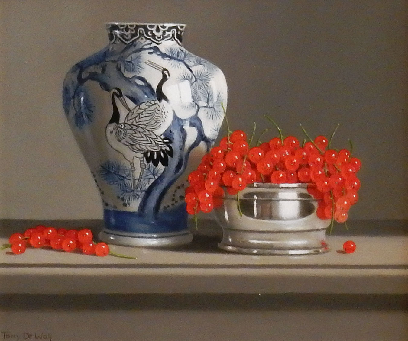 Chinese Vase and Red Currants by  Tony de Wolf
